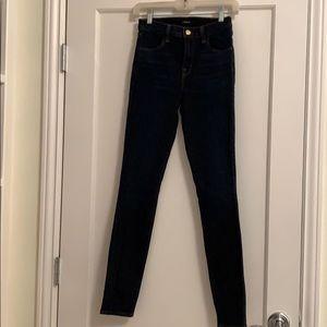 "High rise skinny indigo ""María"" jeans"